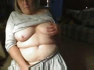 Kinky avó se divertindo na web cam