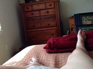 Masturbando sob minha calcinha, orgasmo incrível