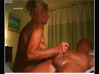 Casal de idosos na webcam