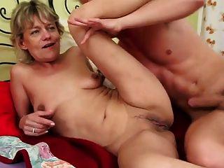 Garota loira foda menino