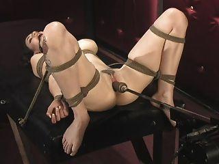 Bondage e máquinas de fucking (natalie) 25