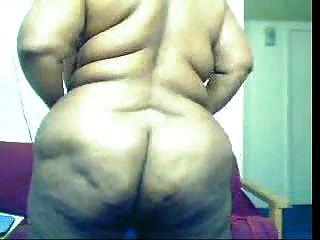 Mulher negra gorda no came