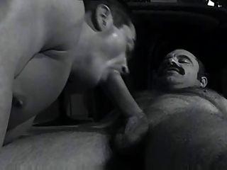 Papai bigoton con musculoso