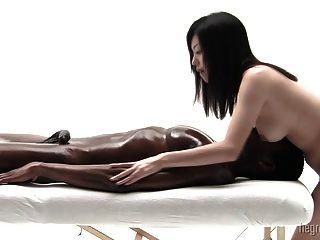 A arte do pénis japonês que honra o coolbudy
