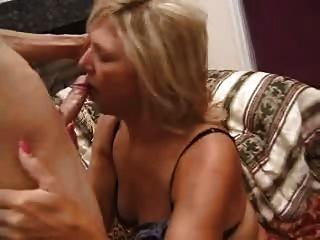 Madura mamãe madura fodido por mais jovens