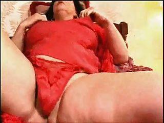 Granny kinky fazendo seus próprios orgasmos em casa