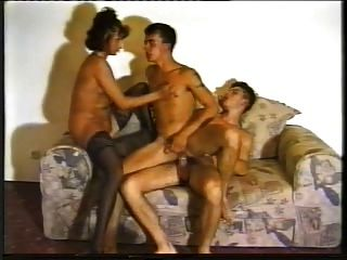 Mamãe tem relações sexuais com bi