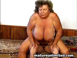 Peludo mães nuas