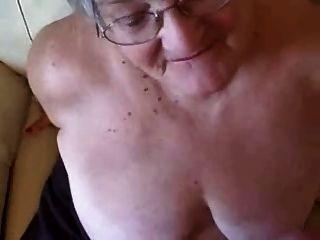 Grande facial em uma avó de 76 anos!amador