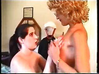 Fantasias de uma rica mulher portuguesa em sua empregada.