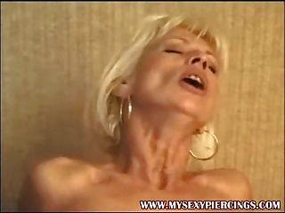 Piercing milf francês sexo anal