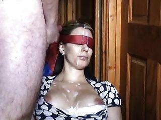 Cumshot olhos vendados