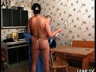 Sexo anal em todas as moedas da casa