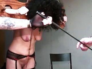 Maduro com tits saggy torturados pela parte perversa par 1