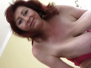 Awesome milf enorme boobs deixar em pendurar