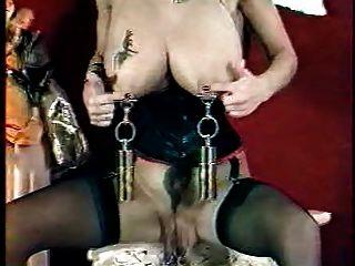 Vaginal e mamas grandes piercing