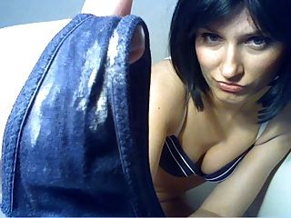 Babe lambendo sua calcinha suja