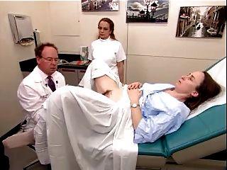 Um vídeo de exame real de uma mulher madura peludo 2