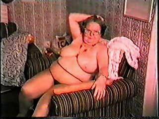 Minha avó é uma prostituta!Amador maduro