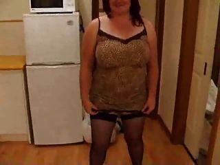 Esposa gordinha desnudando