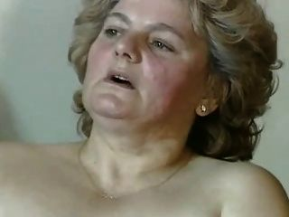 Gordinha loira com bichano peludo