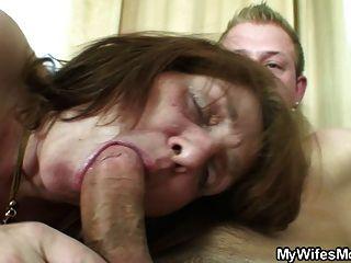 Cara fodendo sua sogra velha