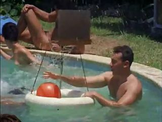 Cena clássica do acampamento do nudist