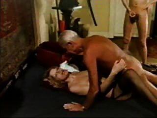 Homem mais velho .... grand dad jean villroy shagging hot babe