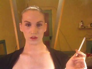 Fumando e fodendo