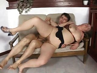 Sexo grande alemão sexo anal maduro