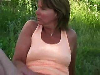 Uma mãe de futebol tesão