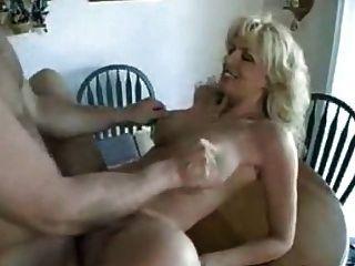 O milf alemão come o esperma