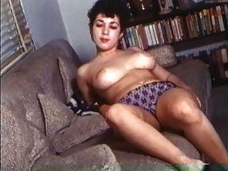 Mulheres bonitas retros com boobs enormes naturais!