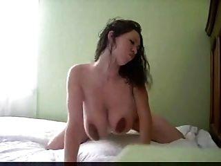 Tetas grandes nus na cama tetas grandes nua na cama