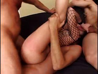 Slut obtém ass fodido duro então farts out 3 cumloads