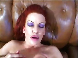 Prostituta do milf do redhead busty quente