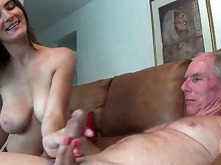 Menina não dá seu tio um handjob wf