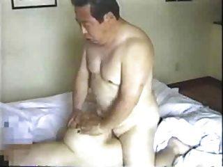 Homem mais velho japonês fode sua secretária