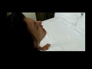 Mãe amadora tem alguns mamas falsas enormes!