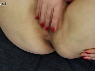 Madura madrinha madura trabalha seu bichano peludo