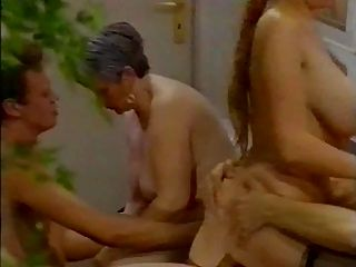 Hot big titted girl é fodido anally 2 (por satanika)