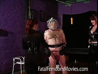 Inflação de bola e asfixia para esse alto escravo completo!
