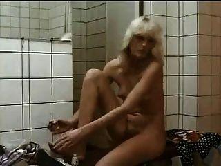 Garotas peludas no chuveiro