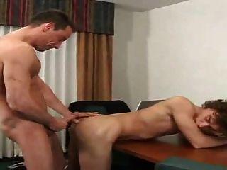 Horny professor unhas limpeza menino