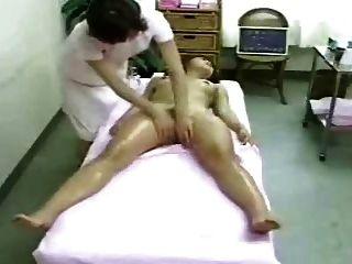 Massagem e orgasmo (cames escondidas)