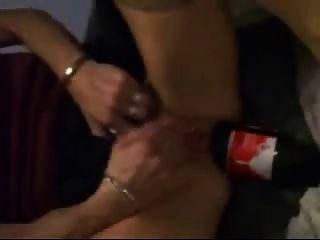 Garrafa de coca cola é muito bom para o punho seu asshole