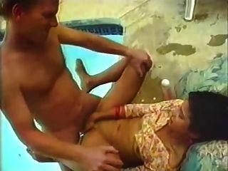 Desi, indiano, sameera com um homem afortunado velho