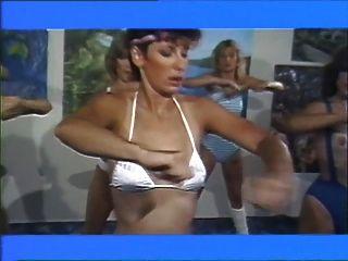 Meninas de aerobisex 1983 filme lésbico (parte # 2)