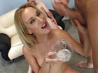 Erin moore drink esperma receptáculo