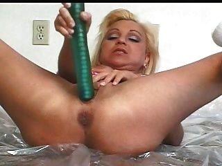 Mila o ass prolapso \u0026 squirting hottie (por snc)